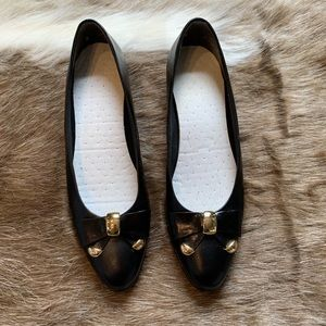 SELBY shoes natural leather with bow gold details